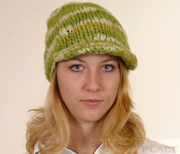 Capo Damen Wollmütze Handgestrickt Gruen