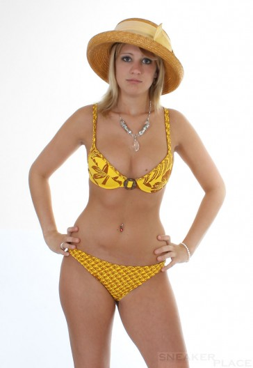 Jenna De Rosnay Bikini Jellow Pineapple